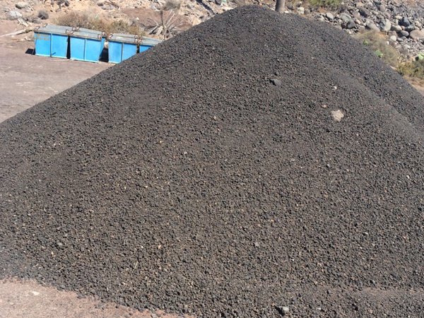 Montaña de picón negro