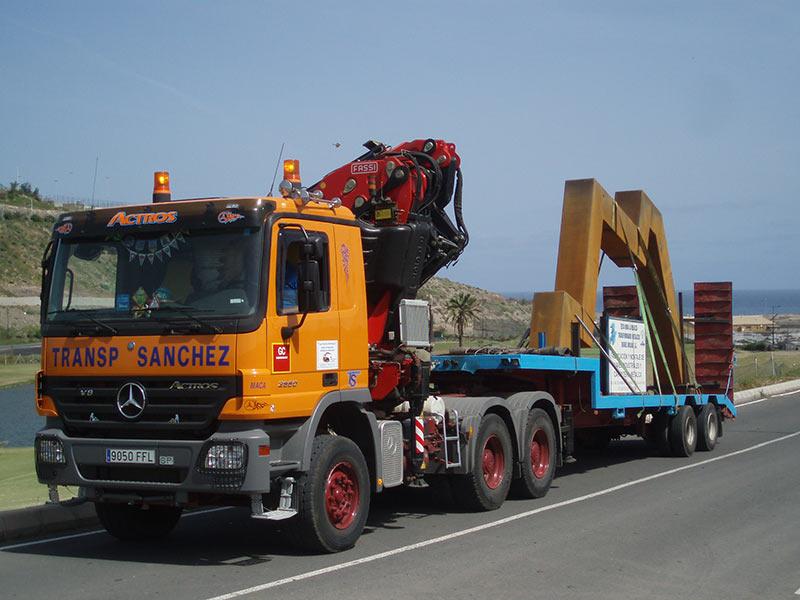 Transport von Aufbauten - Transportes Sánchez