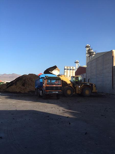 Transport von zerkleinertem Gummi- Transportes Sánchez
